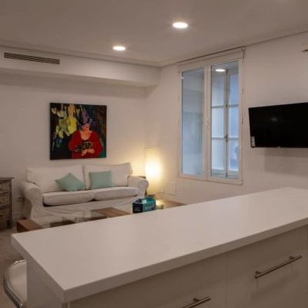 Rent this 3 bed apartment on Airiños do Miño in Calle de Ponciano, 4