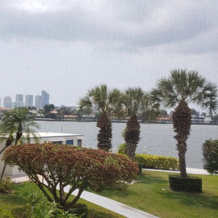Rent this 1 bed condo on 2903 Point E Dr in North Miami Beach, FL 33160
