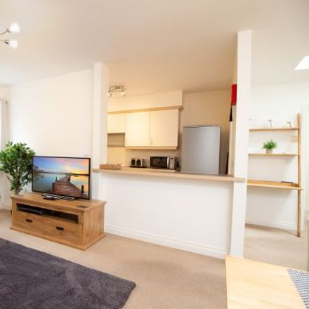 Rent this 4 bed apartment on 76 Heraldry Way in Exeter EX2 7RB, United Kingdom