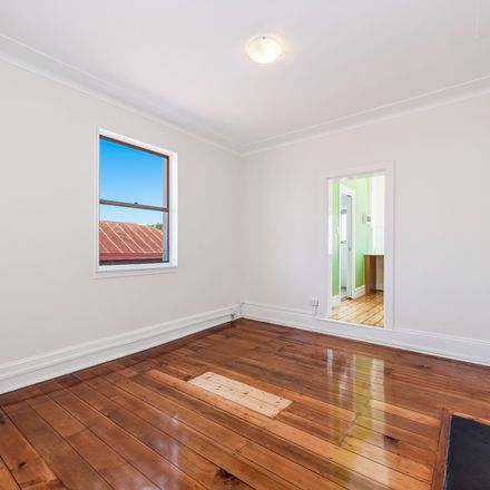 Rent this 1 bed room on 2/641 Darling Street