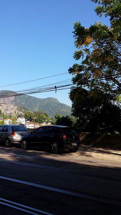 Rent this 1 bed house on Área de Proteção Ambiental de São José in Calçada Compartilhada Rua das Laranjeiras, Laranjeiras