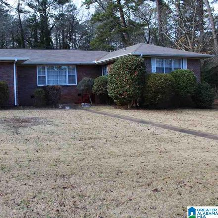 Rent this 3 bed house on 29th Avenue in Hueytown, AL 35023