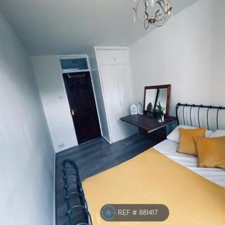 Rent this 3 bed apartment on Fermain Court North in Downham Road, London N1 5AA