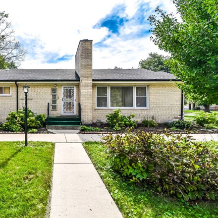 Rent this 2 bed house on 11701 South Longwood Drive in Chicago, IL 60643