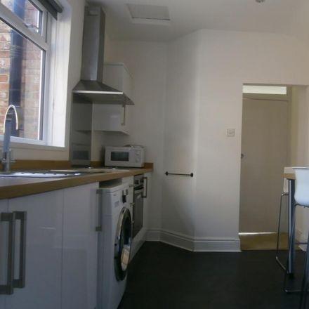 Rent this 3 bed apartment on Tavistock Road in Newcastle upon Tyne NE2 3JA, United Kingdom