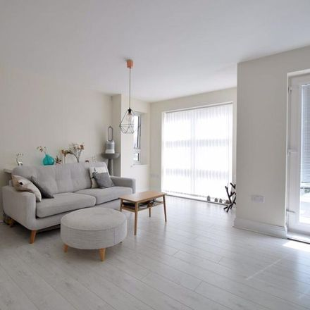 Rent this 2 bed apartment on Market Street in Maidenhead SL6 8AA, United Kingdom
