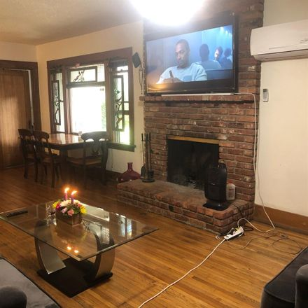 Rent this 1 bed room on Auto Repair in Molino Avenue, Long Beach