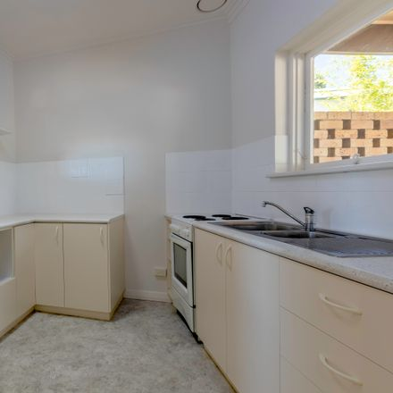 Rent this 1 bed house on 1/52 Hillcrest Drive