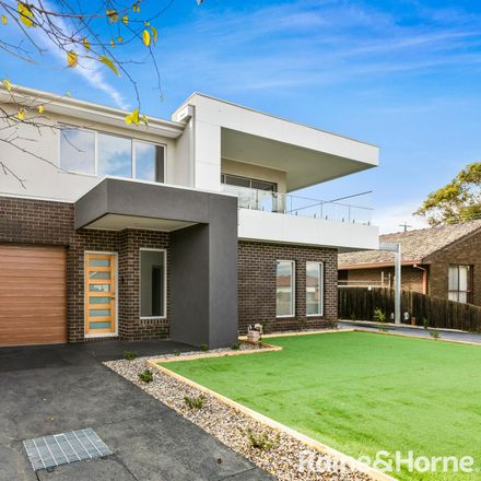 Rent this 3 bed townhouse on 1/4 Graceburn Grove
