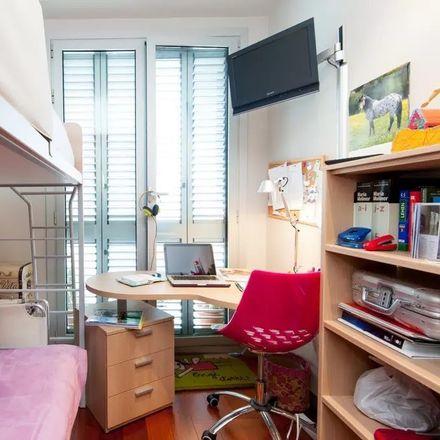 Rent this 1 bed room on Uribitarte Pasealekua in 6, 48001 Bilbo