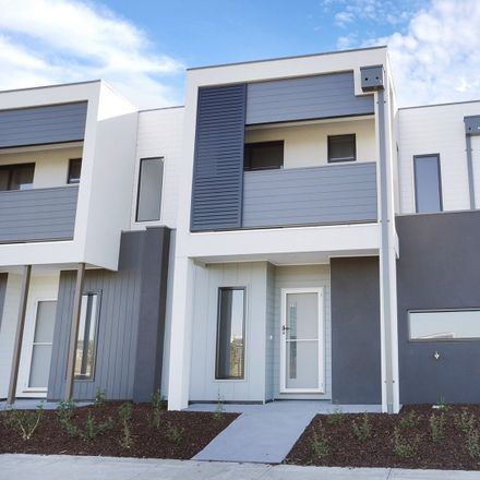 Rent this 3 bed townhouse on 10 Ollie Place