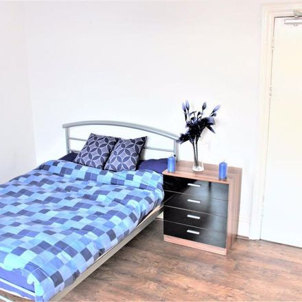 Rent this 3 bed room on Shell in 10 Wilmslow Road, Manchester M14 5TQ