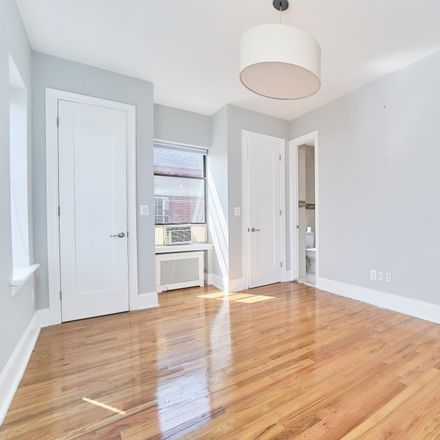 Rent this 3 bed apartment on 201 Eastern Parkway in New York, NY 11238