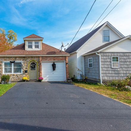 Rent this 3 bed house on Ontario Ave in Rensselaer, NY