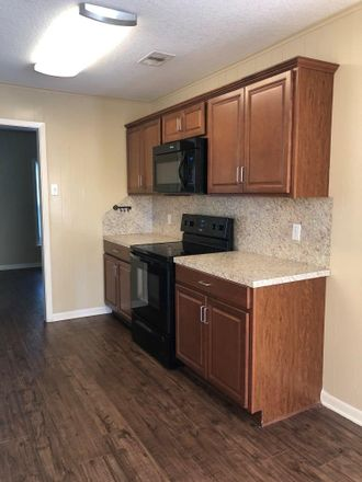 Rent this 3 bed apartment on W 6th St in Freeport, TX