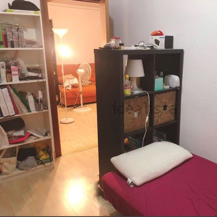 Rent this 2 bed room on Calle de Arriaza in 28008 Madrid, España
