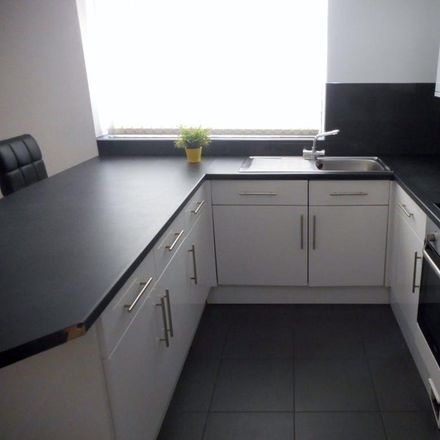 Rent this 3 bed apartment on Kings Monkton School in Richmond Road, Cardiff CF