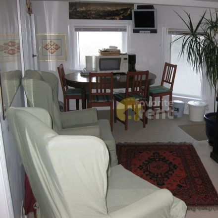 Rent this 2 bed apartment on 748 Castro Street in San Francisco, CA 94114