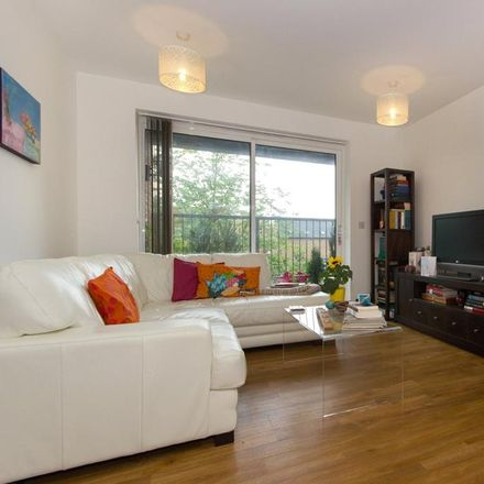 Rent this 2 bed apartment on 44 Consort Avenue in Cambridge CB2 9AF, United Kingdom