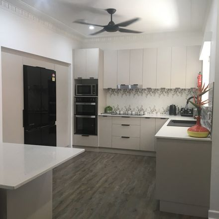 Rent this 1 bed room on 130 D'Arcy Road in Seven Hills QLD 4170, Australia