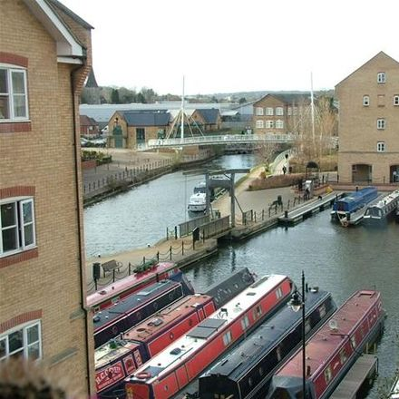 Rent this 2 bed apartment on Stephenson Wharf in Dacorum HP3 9WY, United Kingdom