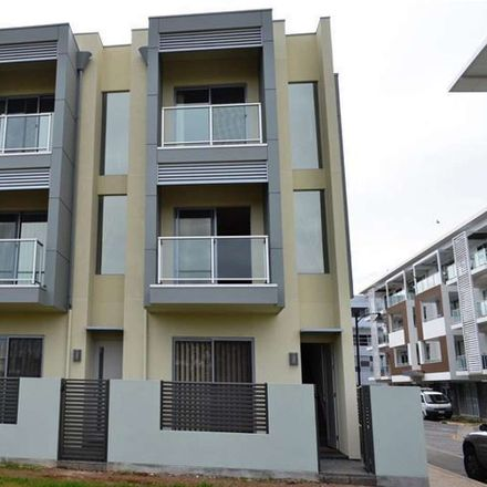 Rent this 2 bed townhouse on 4/22 Euston Walk