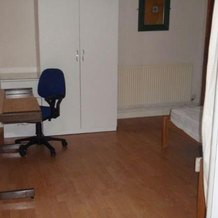 Rent this 5 bed house on Alexandra Terrace in Swansea SA2 0DH, United Kingdom