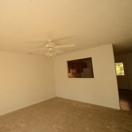 Rent this 2 bed townhouse on 328 Bracken Pl in Jacksonville, NC
