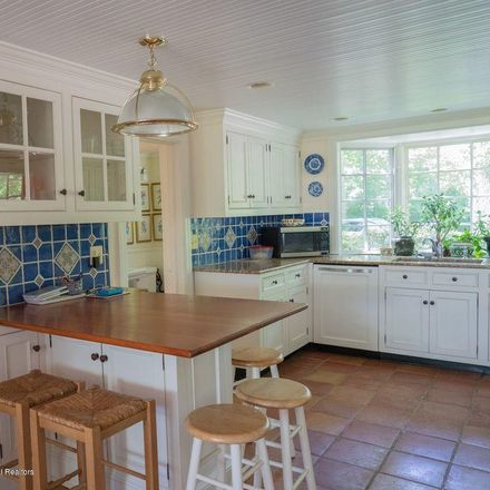 Rent this 5 bed house on 5 Markwood Lane in Rumson, NJ 07760