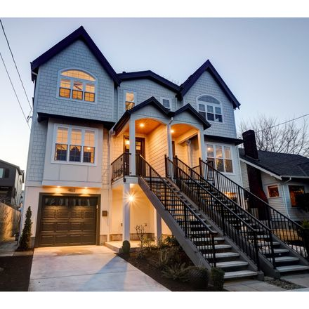 Rent this 4 bed condo on 4163 Northeast Rodney Avenue in Portland, OR 97211
