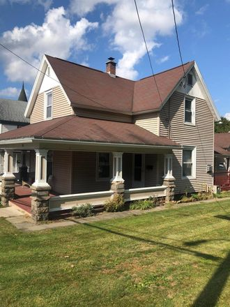 Rent this 3 bed apartment on 15 East Main Street in Sidney, NY 13838