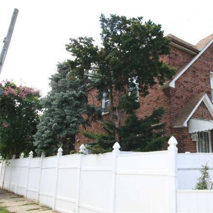 Rent this 3 bed townhouse on Grand Central Pkwy in Jamaica, NY