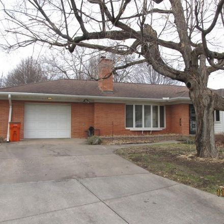 Rent this 3 bed house on 330 Bartlett Court in Eau Claire, WI 54701