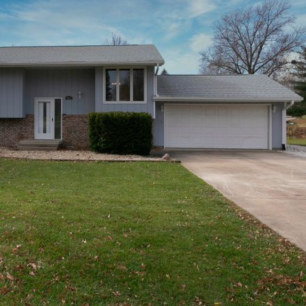 Rent this 3 bed house on 501 Pearl Ave in Towanda, IL