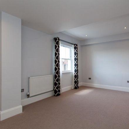 Rent this 3 bed apartment on Mount Ephraim Road in Tunbridge Wells TN1 1ED, United Kingdom