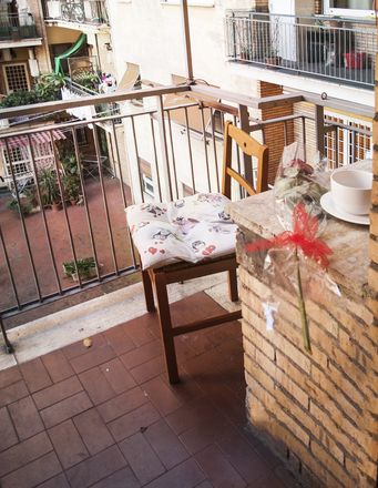 Rent this 3 bed room on Via Gaspare Gozzi in 205, 00145 Roma RM