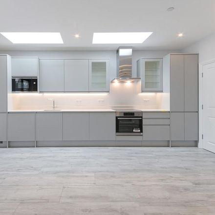 Rent this 4 bed house on Jai Krishna in Stroud Green Road, London N4 3RZ