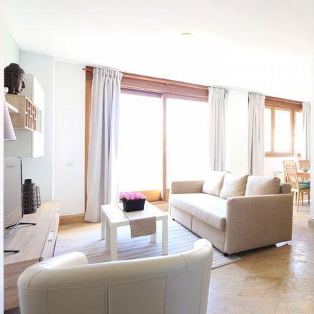 Rent this 2 bed apartment on Colegio Santísimo Sacramento in Calle de Arturo Soria, 208