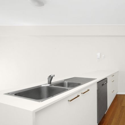 Rent this 3 bed apartment on 14/100 Barcom Ave