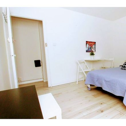 Rent this 6 bed apartment on Carrer de Joaquim Costa in 46035 Paterna, Spain