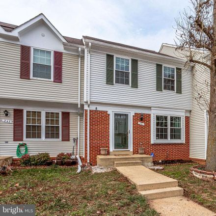 Rent this 3 bed townhouse on 241 Finchingfield Ct in Sterling, VA