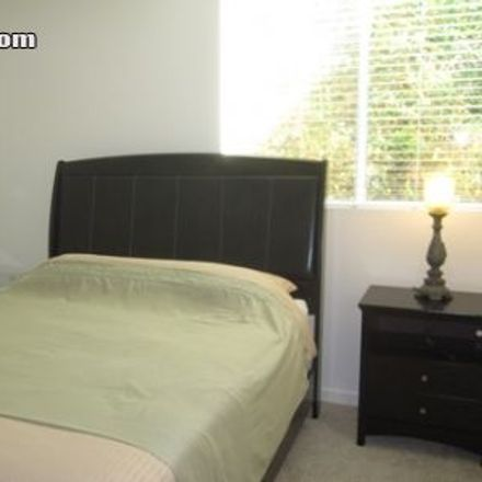 Rent this 2 bed apartment on 5th Court in Santa Monica, CA 90401-2405