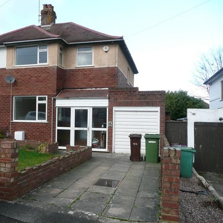 Rent this 3 bed house on Foxhills Road in Wolverhampton WV4 4SS, United Kingdom