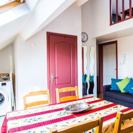 Rent this 1 bed apartment on Rue Sans Souci - Sans Soucistraat 84 in 1050 Ixelles - Elsene, Belgium
