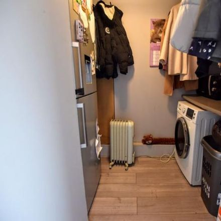Rent this 3 bed house on Quarrendon Avenue in Aylesbury HP19 9JR, United Kingdom