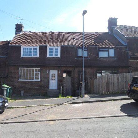 Rent this 3 bed house on Pakistan & Kashmir Welfare Association in Woodfield Avenue, Batley WF17 7EA