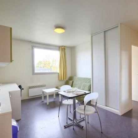 Rent this 1 bed apartment on Valenciennes in Faubourg de Paris, HAUTS-DE-FRANCE