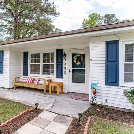 Rent this 3 bed house on 2408 Langhorne Drive in Beaufort, SC 29902