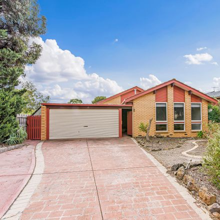Rent this 3 bed house on 2 Yanchep Crt