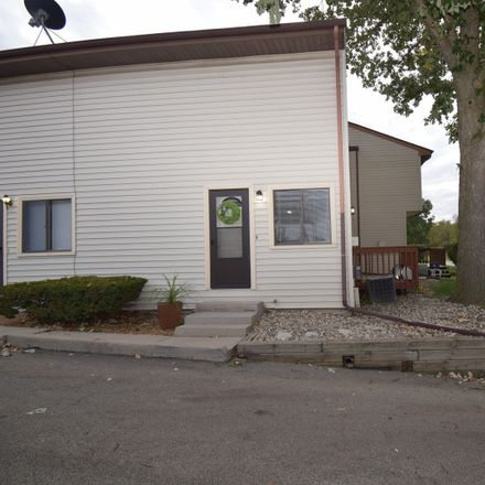 Rent this 2 bed townhouse on 1405 East Vernon Avenue in Normal, IL 61761